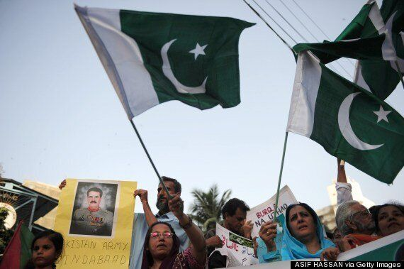 Cut Aid To Pakistan Unless It Cracks Down On Islamic Extremism, Say