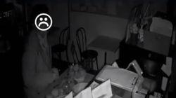 돈 훔치러 왔다가 4시간 동안 빵 먹은 도둑이 붙잡혔다