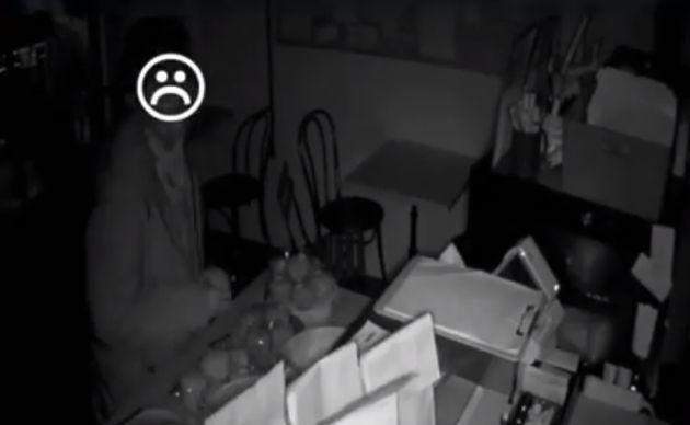 돈 훔치러 왔다가 장장 4시간 동안 빵 먹은 도둑이 드디어 붙잡혔다