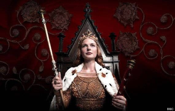 'The White Queen' Episode 1 Review - Rebecca Ferguson Shines In This Regal