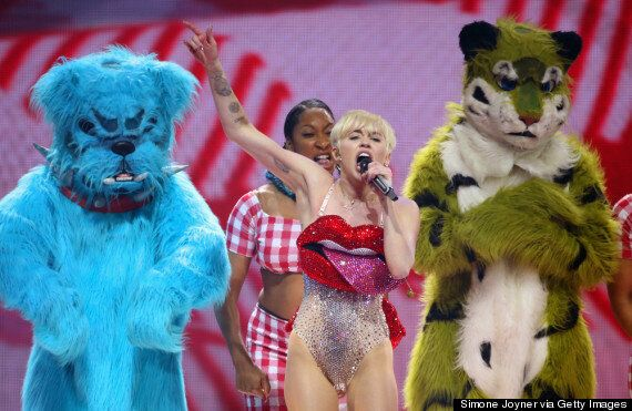 Miley Cyrus Brings Bangerz Tour To The UK, Tells Fans: 'I Did Not Overdose On