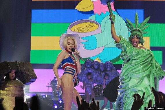 Miley Cyrus 'Bangerz' Tour Comes To London: Star Twerks Onstage In Barely-There Outfits (PICS,
