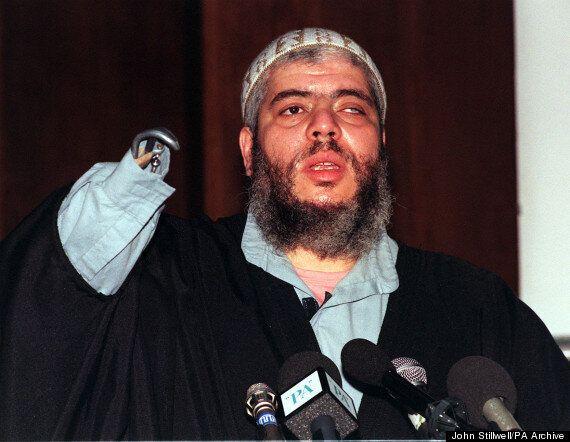 Abu Hamza Tucks Into A Doughnut During Terror Trial In New
