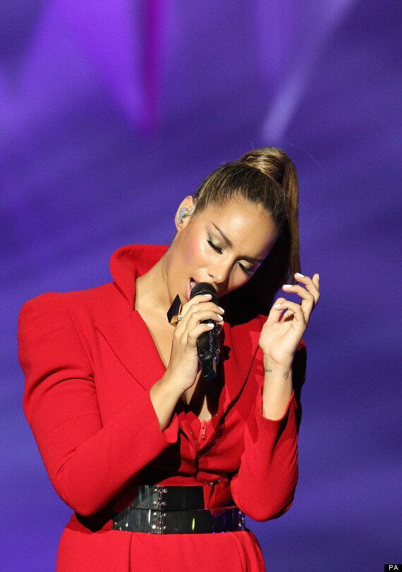 Leona Lewis Joins Voices Complaining That Miley Cyrus, Rihanna Are Setting Bad Example For Young
