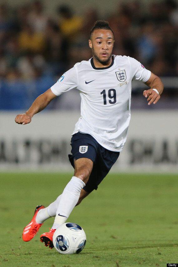 Transfer Talk: Manchester United Line Up Edinson