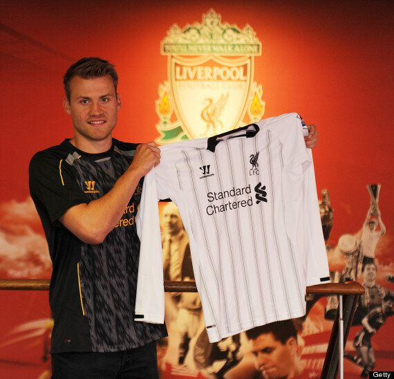 Simon Mignolet Joins Liverpool For £11m