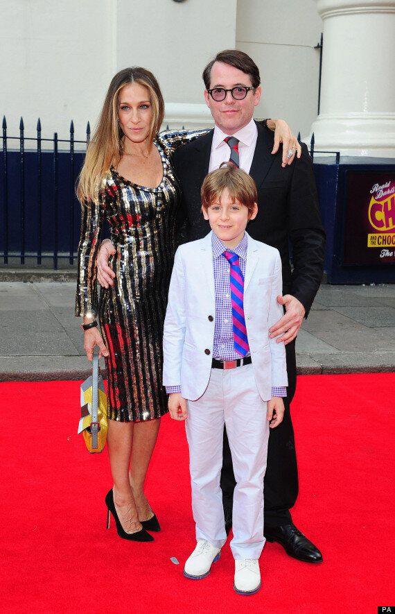 Sarah Jessica Parker Dazzles On The 'Charlie And The Chocolate Factory Musical' Red Carpet (VIDEO,