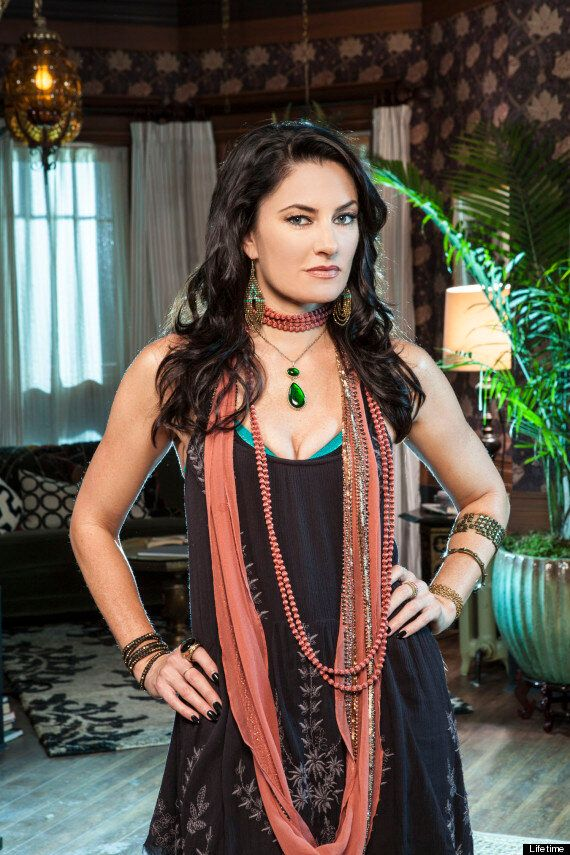 'Twin Peaks' Star Mädchen Amick Opted For Family Life Over Stardom, Now She's Back With 'Witches Of East