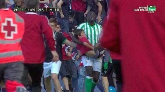 Alfred N'Diaye Cradles Young Injured Fan As Fence Collapses At Real Osasuna's Ground