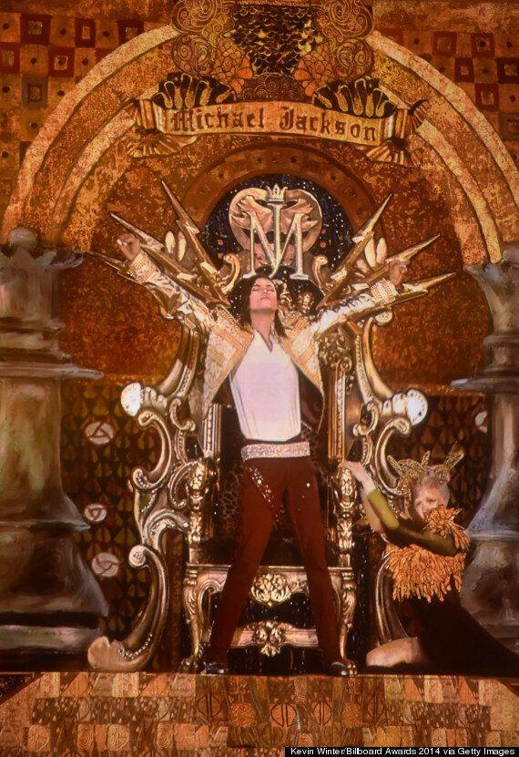 Billboard Music Awards 2014: Michael Jackson Hologram Performs New 'Xscape' Track 'Slave To The Rhythm'