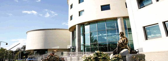 Northern Ireland City Mayor Refuses to Open Nelson Mandela Book of