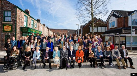 'Coronation Street' Cast Photo Sees Michael Le Vell And Bill Roache Reunited With Cast On Soap's New...