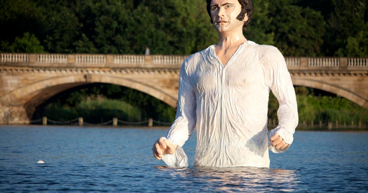Colin Firth Statue As ...