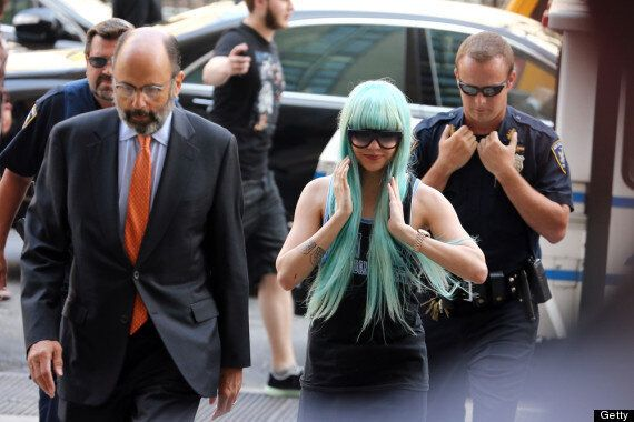 Amanda Bynes Makes Court Appearance In Blue Wig (PICTURES,