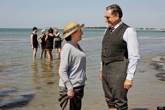 'Downton Abbey Christmas Special' Review - Shirley MacLaine, Paul Giamatti Come