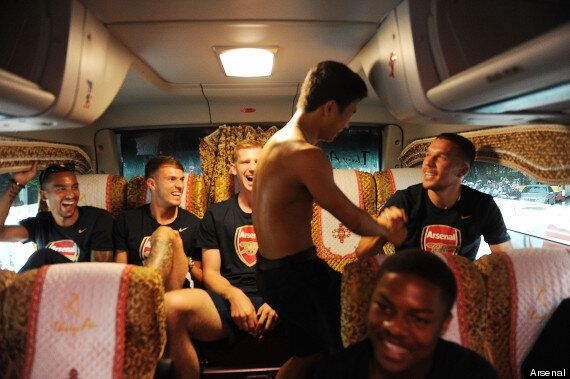 Arsenal 'Running Man' Vietnam Tour Hero