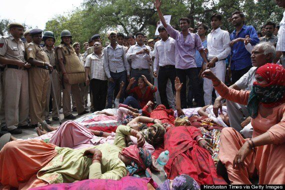 Teen Gang Rape Victims 'Hanged From Mango Tree', Indian Police