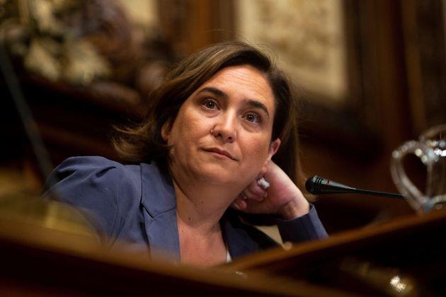 Colau aceptaría ser investida en Barcelona con los votos del PSC y Manuel