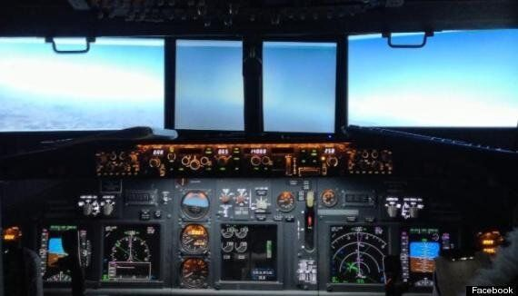 Father Builds Functional Boeing 737 Simulator In Son's