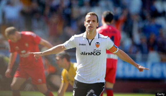 Tottenham Agree To Sign Roberto Soldado From