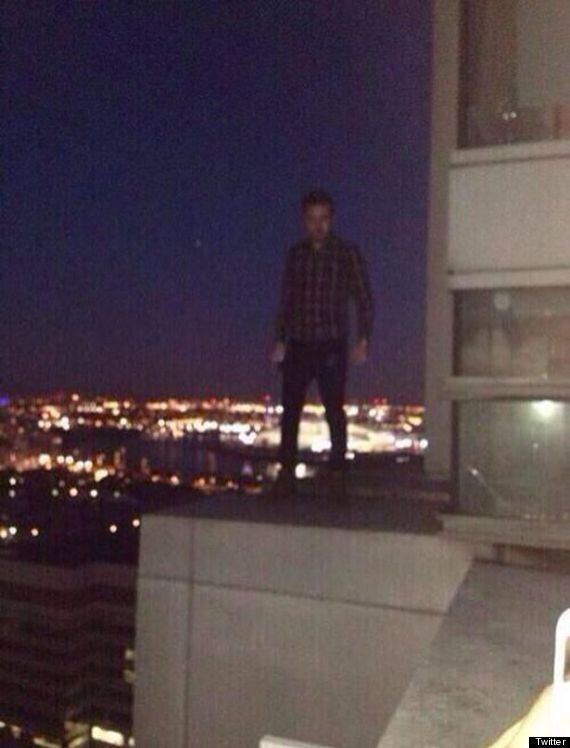 One Direction Star Liam Payne Apologises After Posing On Balcony Ledge Of His 34th Floor London Apartment