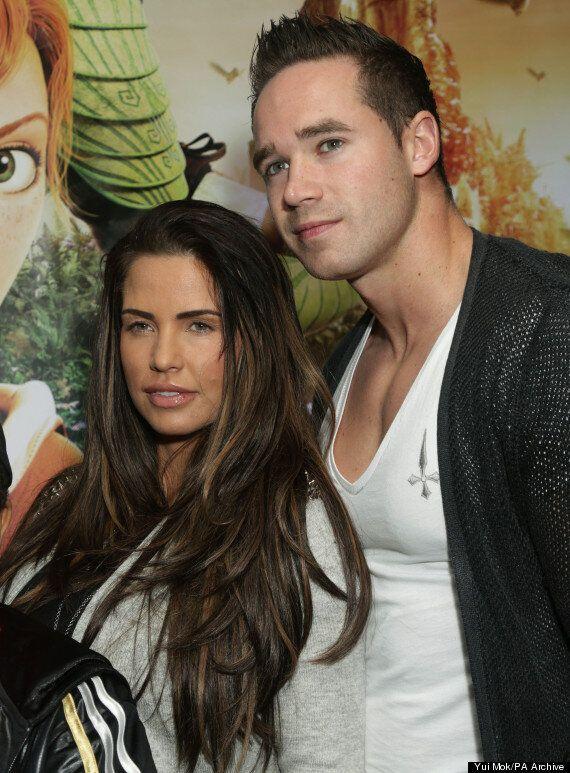 Katie Price Divorce: Pregnant Star Tweets Bizarre Picture Of 'Home Wrecker' Jane Poutney