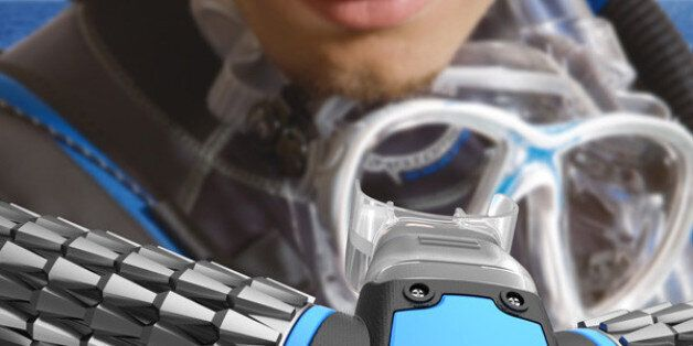 'Triton' Oxygen Mask Claims To Draw Oxygen From Water While You