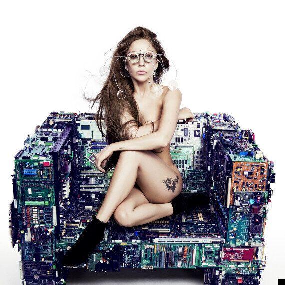 Lady Gaga 'Applause' Lyrics Video