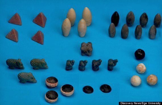 Turkish Archaeologists Find 5,000 Year-Old Board Game - But No One Knows The Rules