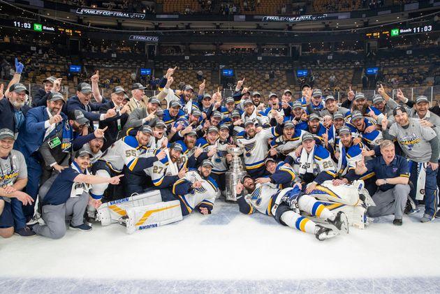 Derniers en janvier, les Blues de Saint Louis sont maintenant champions de la Coupe
