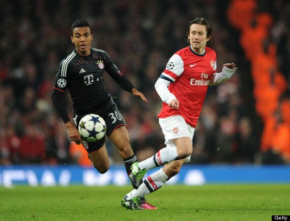Luiz Gustavo Signs For Wolfsburg As Arsenal Miss