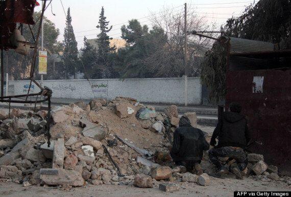 Al-Qaeda Behead 10 Prisoners & Mount Their Heads On Spikes In