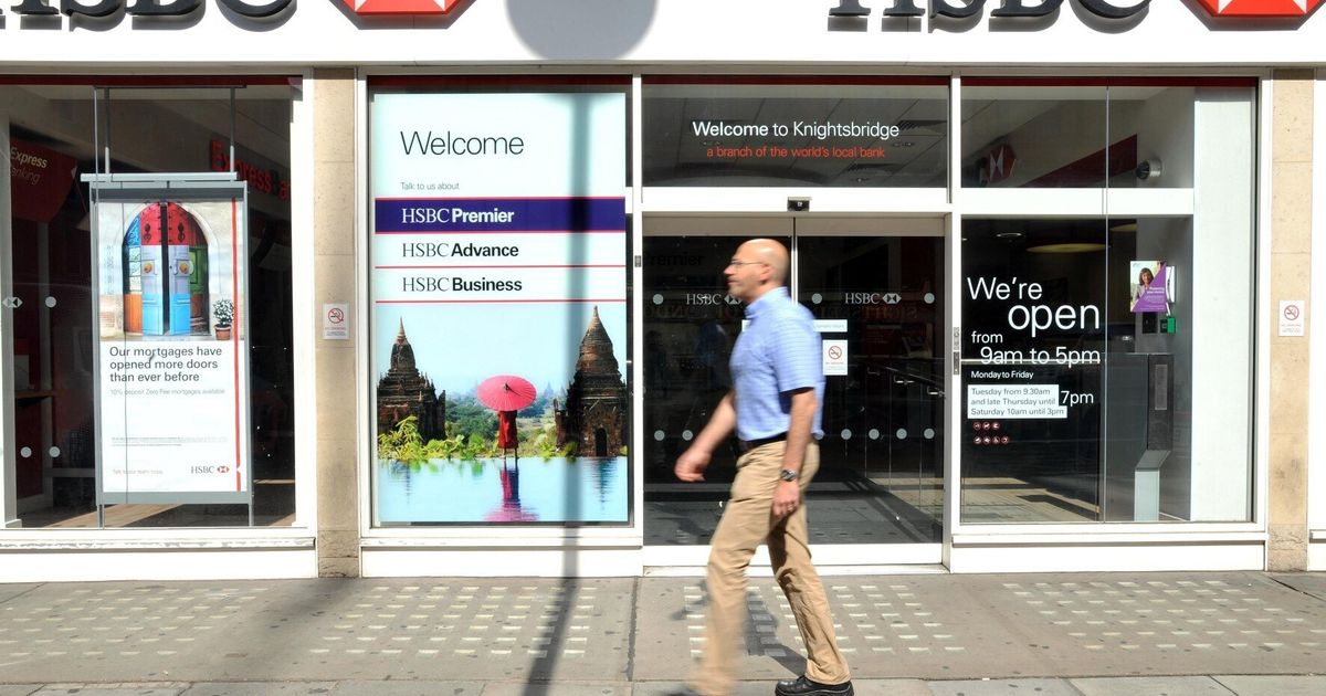 HSBC Bank Refuses To Let Customers Withdraw Large Sums
