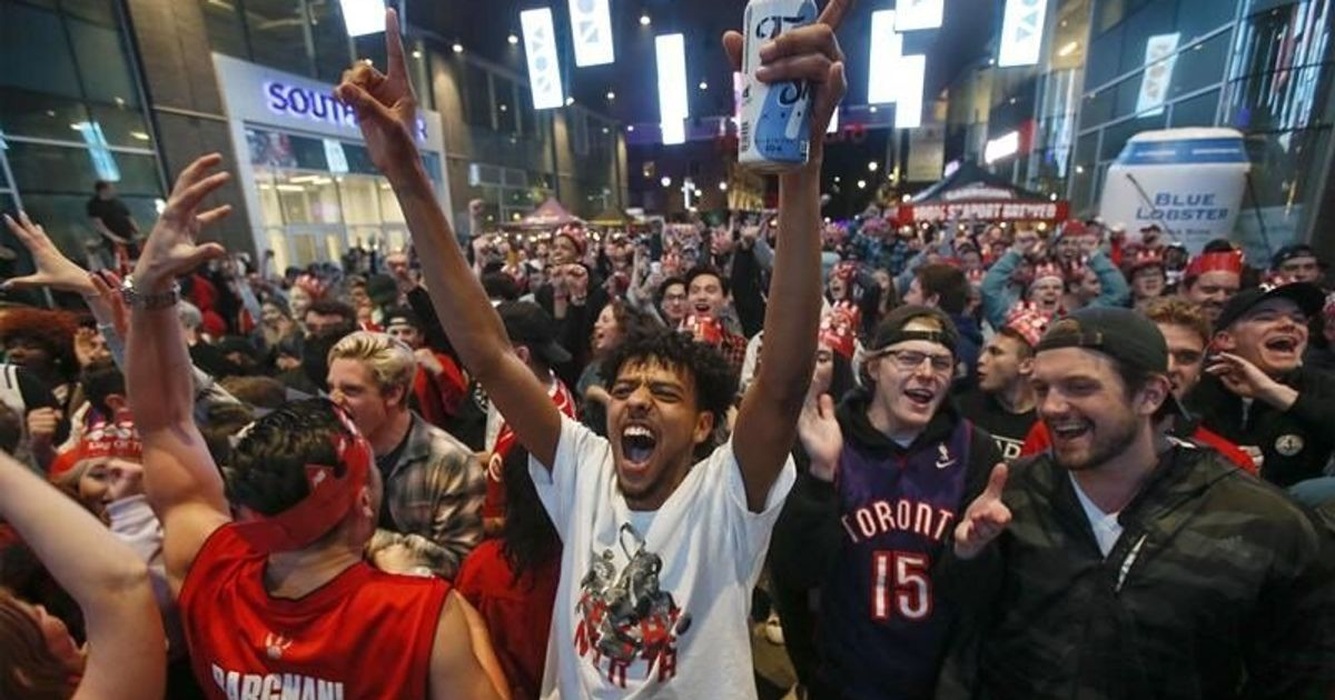 official photos 94f42 45c2c Toronto Raptors Fans Across Canada Ready For Game 6 Of NBA ...