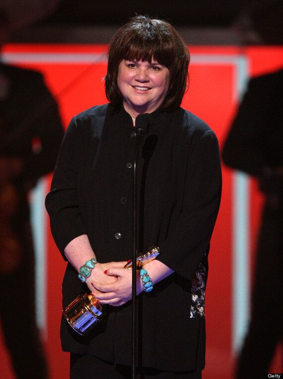 Linda Ronstadt Reveals Parkinson's Battle: 'I Can't Sing A