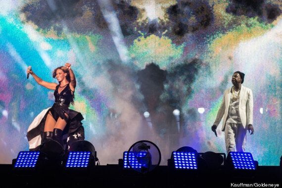 Beyoncé Reveals Jay Z Wedding Video (And Her Bum!) During 'On The Run' Tour Opening Night
