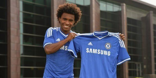 Willian Completes £32m Chelsea Transfer