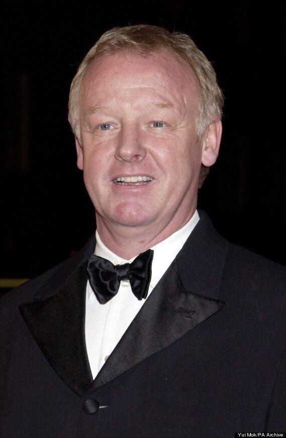 'Coronation Street' Spoiler: Les Dennis To Play Love Interest Of Long-Running 'Corrie'