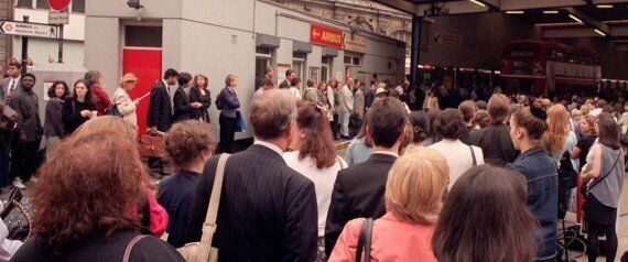 Tube Strike 1962 Style: Hilarious Footage Of London's Commuters Getting To Work (PICTURES,