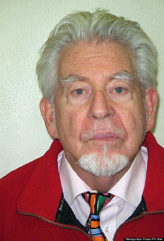 Rolf Harris Sentencing: Entertainer Not Charged For Allegedly Downloading Images Of Underage
