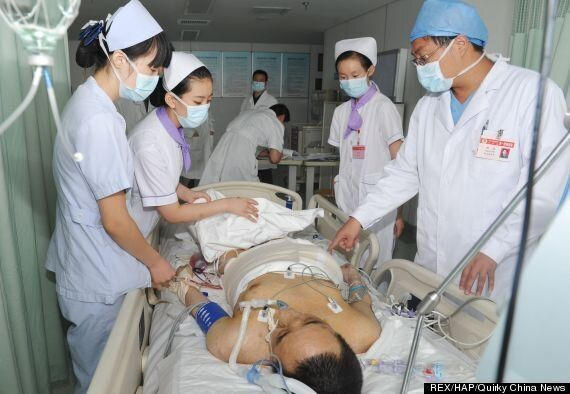 'World's Largest Tumour' Weighing 110kg Removed From Yang Jianbin's Back (GRAPHIC