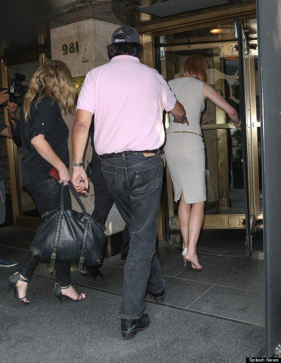 Nicole Kidman Knocked To The Ground By Pap On Bike In New York (PICS,