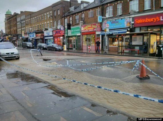 London's Blackstock Road Horribly Flooded After Ancient Water Pipe Bursts