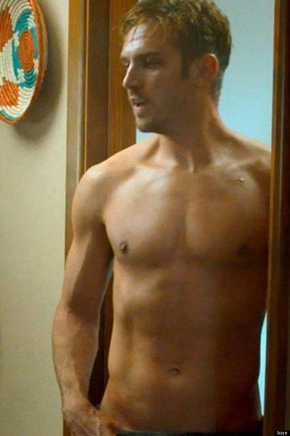 'Downton Abbey' Alumnus Dan Stevens Wows Fans With Buff New Body In Trailer For 'The Guest'