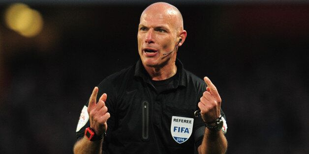 LONDON, ENGLAND - FEBRUARY 16: Referee Howard Webb during the FA Cup fifth round match between Arsenal...