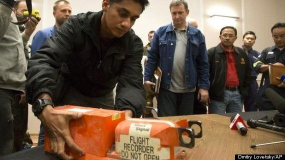 MH17 Black Boxes Handed Over In Bizarre Midnight Ceremony With Ukraine