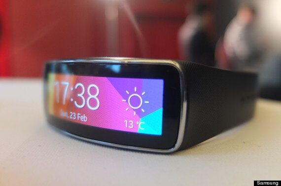 Samsung Gear Fit: Curved Touchscreen Fitness Watch Unveiled