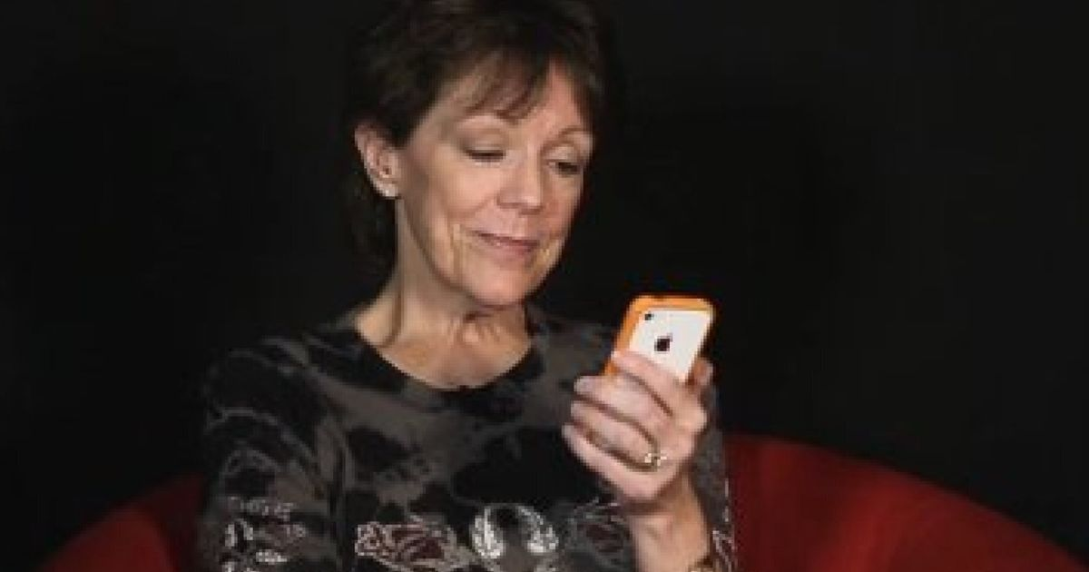 Siri's Real Name Is... Susan Bennett (VIDEO)