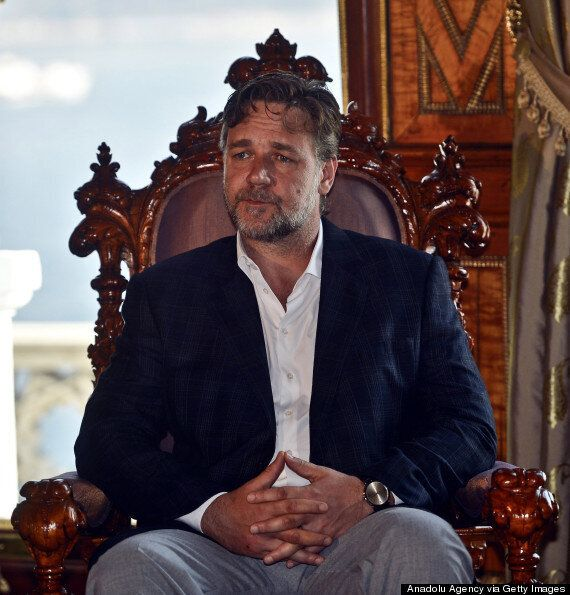 'Dear Holy Father': Russell Crowe Uses Twitter To Beg The Pope To Watch His Film