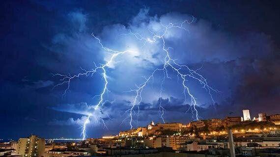 How wildfires create towering pyrocumulus clouds - CNN.com |Cumulus Clouds Lightning